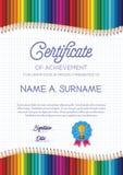 Plantilla del certificado con el marco colorido del lápiz para los niños Fotografía de archivo