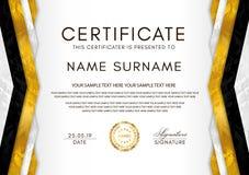 Plantilla del certificado con el marco de la geometría y la insignia del oro Diseño blanco del fondo para el diploma ilustración del vector