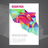 Plantilla del diseño de la cubierta del folleto del vector con la forma geométrica abstracta colorida, fondo del triángulo para s Fotos de archivo libres de regalías