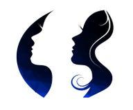 Plantilla del diseño del logotipo de la charla de la mujer Imagenes de archivo