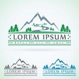 Plantilla del diseño del logotipo del vector del vintage de las montañas, icono verde del turismo Imagenes de archivo