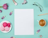Plantilla del papel en blanco con los accesorios femeninos lindos Imagen de archivo