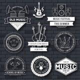 Plantilla determinada de la etiqueta de la música del elemento del emblema para su producto o diseño, web y aplicaciones móviles  stock de ilustración