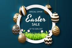 Plantilla feliz del fondo de la venta de pascua con los huevos y la hierba adornados brillo de oro realista foto de archivo