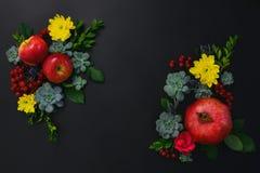 Plantilla floral de la tarjeta de felicitación de los días de fiesta estacionales del otoño Foto de archivo