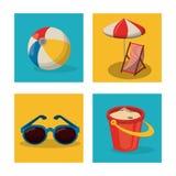Plantilla que viaja del verano feliz con los accesorios del verano de la playa Imágenes de archivo libres de regalías