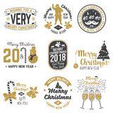 Plantilla retra de la Feliz Navidad y de la Feliz Año Nuevo 2018 con Santa Claus Imagen de archivo