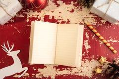 Plantilla retra de los ciervos del papel del cuaderno del concepto de la Navidad Imágenes de archivo libres de regalías