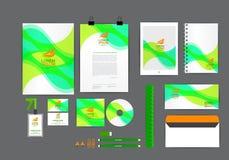 Plantilla verde y anaranjada de la identidad corporativa para su negocio Fotos de archivo