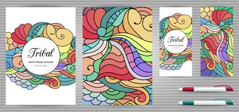 Plantillas de la identidad corporativa y de los efectos de escritorio de los garabatos fijadas Plantilla colorida del diseño del  Imagen de archivo
