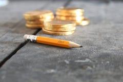 Planu biznesowego lub strategii pojęcie Pieniądze i ołówek Zdjęcia Royalty Free