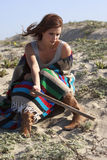 plażowa piękna smutna kobieta Fotografia Stock