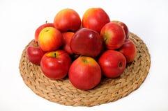 Plaque avec des pommes Image stock