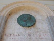 Plaque commémorative de Nietzsche à Turin Images libres de droits