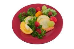Plaque de fruits et légumes Photos libres de droits