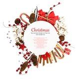 Plaque de Noël avec des ornements et des sucreries Photo libre de droits