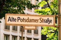 Plaque de rue en région de Berlin Mitte Photographie stock libre de droits