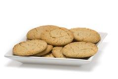 Plaque des biscuits cuits au four frais Photographie stock