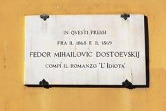 Plaque op het huis waar hij Dostoevsky, Florence leefde stock foto