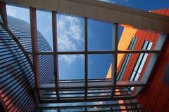 plaques de métal de voie de garage, fenêtres isolées Photographie stock
