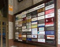Plaques de porte à la maison dans la ville espagnole Photos libres de droits