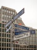 Plaques de rue à Berlin Photos stock