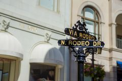Plaques de rue de Los Angeles Rodeo Drive images stock