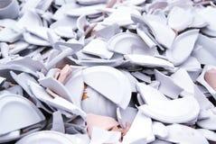 Plaques et paraboloïdes cassés de porcelaine Images stock