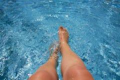 plaska simning för pöl Royaltyfria Bilder