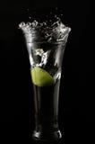 plaska vatten för limefrukt Arkivfoto