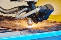 Plasma oder Laser-Ausschnittmetallverarbeitung Stockfotografie