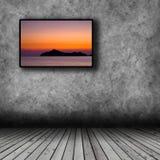 Plasma TV sur le mur de la salle Photos stock