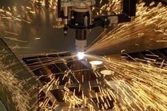 Plasmaschneidenmetallverarbeitungs-Industriemaschine stockbilder