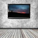 PlasmaTV på väggen av rummet Royaltyfria Bilder