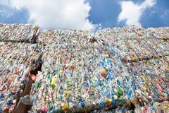plast- återanvänder royaltyfri fotografi