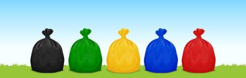 Plast- avfalls hänger löst svart, grönt, gult, blått, och rött på gräs- och himmelbakgrunden, ställ in av kulör avskrädeavfalls h vektor illustrationer