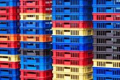 Plast- behållarehögar Fotografering för Bildbyråer