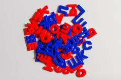 Plast- bokstäver av det ryska alfabetet Arkivfoto