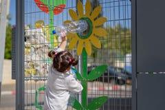 Plast- fria, sparar planetbegrepp Begreppsm?ssig bild f?r den anti-plast- aktionen royaltyfri bild