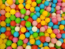 Plast- klumpa ihop sig färgrikt Arkivfoton