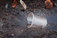 Plast- kull gataavskrädetjänstledigheterna Royaltyfria Foton