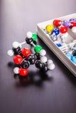Plast- molekylstruktur som modellerar satsen Royaltyfri Foto