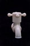Plast- vattenvattenkran för PVC Arkivfoton