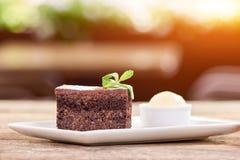Plasterek belgijski czekoladowy tort z dekoracją Zdjęcia Stock