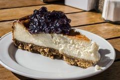 Plasterek blackcurrant cheesecake Fotografia Stock