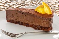 Plasterek czekoladowy tort zdjęcia royalty free