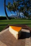 Plasterek lilikoi cheesecake na pięknym Hawajskim dniu Obrazy Royalty Free