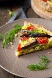 Plasterek quiche z warzywami i ryba, brzdąc zdjęcia royalty free