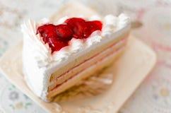 Plasterka cheesecake z truskawkowym dżemem Obraz Stock