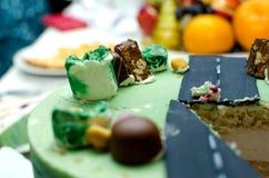 Plasterka wyśmienicie tort z cukierkiem Świętowanie dzieci urodzinowi obraz royalty free